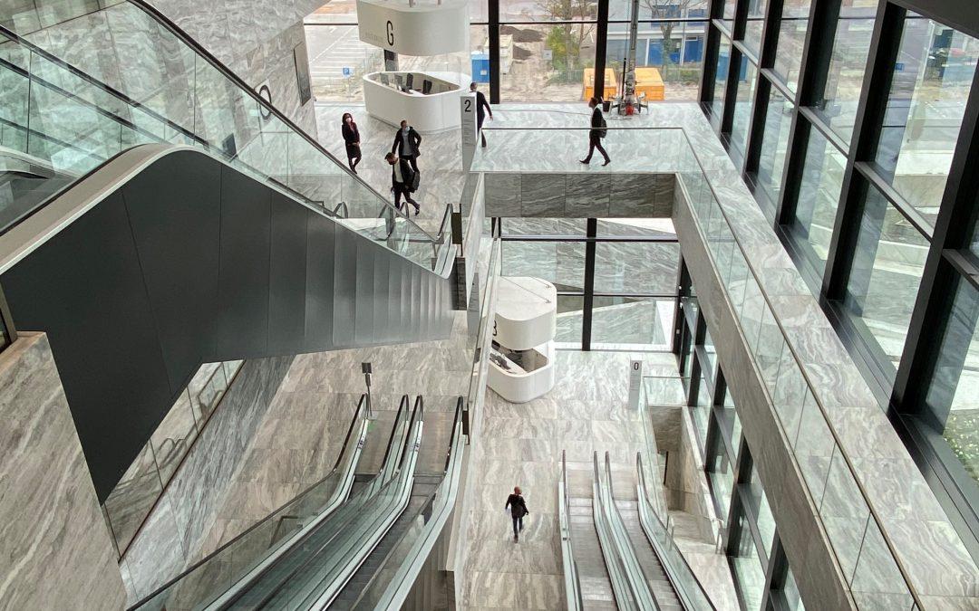 Rechtbank Amsterdam: een publiek gebouw met power
